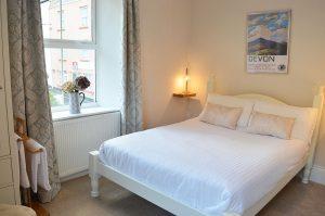 ast-Lyn-House-bed-breakfast-lynmouth-devon-bedroom-one-1280px