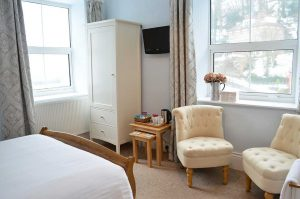 East-Lyn-House-bed-breakfast-lynmouth-devon-bedroom-two-seating