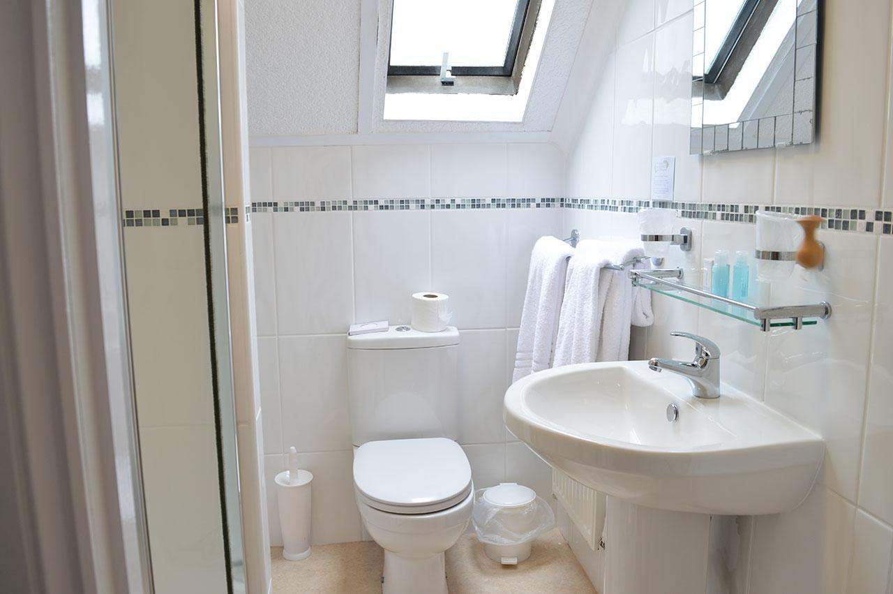 East Lyn House, Bedroom Eight Bathroom